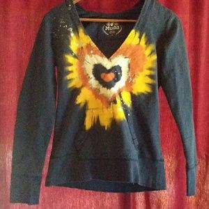 🎃🎃Mudd V Neck Blue Hoodie Bright Heart Decal